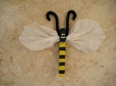 clothespin bee can be used with snack baggie for a divided snack bag