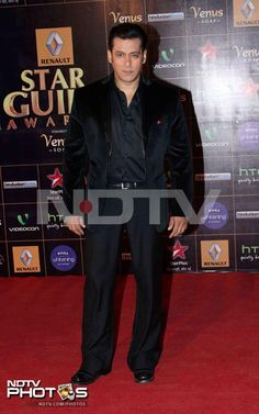 Guild Awards 2013: The host for the evening, Salman Khan was dapper in a black suit. It was the first time that the actor hosted an award function.