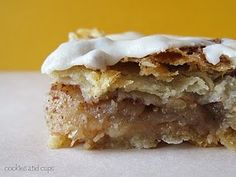 Apple Pie Bars (made with Cinnamon Toast Crunch)..... I am so going to have to make these