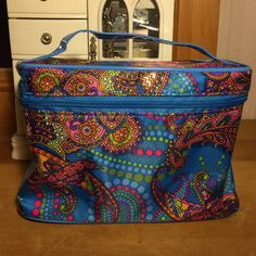 ISOMERS.ca Make up bag New blue/multicolor/tribal make up bag roomy see pics for size Isomers.ca Makeup