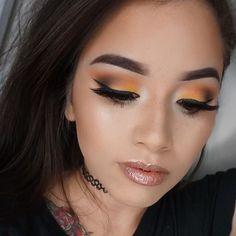 Combine delicate oranges for this superb daytime look by @makeupbyngoc. Using Makeup Geek Eyeshadows in Peach Smoothie, Chickadee, and Bada Bing. Makeup Geek blush in Bliss.