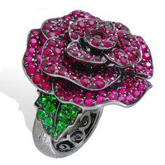 Lydia Courteille A Cassandre ring