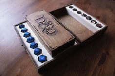 Dungeons & Dragons – Wooden box and dice Tower
