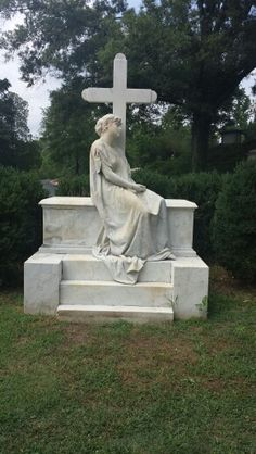 Very moving. Hollywood Cemetary. RICHMOND, VA Hollywood Cemetery, Graveyards, Garden Sculpture, Art, Art Background, Kunst, Performing Arts, Art Education Resources, Artworks
