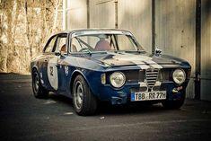 alfa romeo giulia sprint gt veloce #alfa #alfaromeo #italiancars @automobiliahq #alfaromeogta