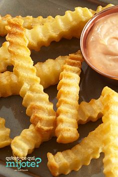 Frites à la friteuse à air chaud #recette Ketchup, Air Fryer French Fries, French Fries Recipe, Potato Side Dishes, Recipe Please, Cooking Instructions, 20 Min, Calories, Home Recipes