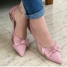 The most very Sexy Feet, Legs, Heels and Shoes around the web. Pretty Shoes, Beautiful Shoes, Cute Shoes, Me Too Shoes, Shoe Boots, Shoes Sandals, Shoes Sneakers, Flat Shoes, Shoes World