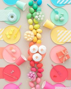 ✨ Add life & color to your Easter party with this Easter-themed table set! 🌈🐰 Wishing you all a happy Easter! Ostern Party, Diy Ostern, Easter Table, Easter Eggs, Easter Candy, Easter Crafts, Crafts For Kids, Bunny Crafts, Dyi Crafts