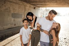 Discover recipes, home ideas, style inspiration and other ideas to try. Young Family Photos, Urban Family Photos, Family Pics, Urban Family Photography, Family Photo Sessions, Family Outfits, Beautiful Family, Family Photographer, Family Portraits