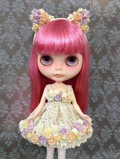 Blythe Doll Snowflake by nekodollie, via Flickr