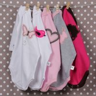 Unique babygro's for little girls Little Boy And Girl, Little Boys, Boy Or Girl, Baby Car Seats, Children, Unique, Clothing, Young Children, Outfits