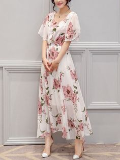 Buy Chic Round Neck Floral Printed Chiffon Maxi Dress online with cheap prices and discover fashion Maxi Dresses at Fashionmia.com.