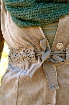 Refashion - external lace casing to add shape Fashion Details, Diy Fashion, Ideias Fashion, Fall Fashion, Diy Clothing, Sewing Clothes, Sewing Hacks, Sewing Projects, Diy Kleidung