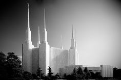 Washington D.C. Temple....  gotta make something for Mom and Dad with this...