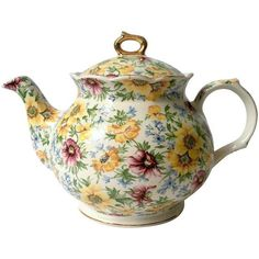 Vintage English Chintz Teapot (140 BAM) ❤ liked on Polyvore featuring home, kitchen & dining, teapots, tabletop, vintage english teapots, english teapot, english tea pots, vintage tea pots and vintage teapots