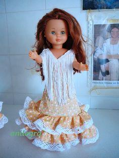 Os enseño mis trajes de flamenca ,ser benevolentes!!!!   Belleza Nancy Doll, Barbie, Doll Clothes, Kimono, Flower Girl Dresses, Couture, Wedding Dresses, Crochet, Folklore