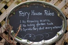 I paint silver trays with chalk board paint for leaving messages with chalk around the house. This time I used white paint so it could s. Fairy Crafts, Garden Crafts, Garden Art, Garden Tools, Garden Ideas, Fairy Garden Houses, Gnome Garden, Fairy Gardens, Miniature Gardens