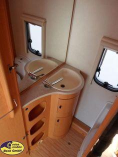 Hymer Eriba Feeling 430 als Pickup-Camper in Köln bei caraworld. Hymer, Bathtub, Outdoor Camping, Travel Trailers, Standing Bath, Bathtubs, Bath Tube, Bath Tub, Tub