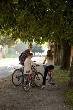 riding on rampart, Lucca