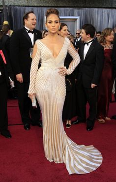 J.Lo at the Oscars in Zuhair Murad- stunning