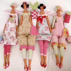 Grande curiosidade sobre estas bonecas. Eu já fiz muito á uns 8 anos atrás qdo fazia bonecas de pano, eram as preferidas pelos adultos, ta...