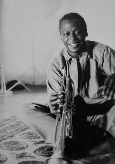 Jazz Trumpet, Musician Photography, Kind Of Blue, Billie Holiday, Walter White, Miles Davis, Jazz Musicians, Jazz Blues, Wedding Humor