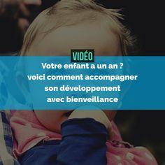 Dans cette vidéo, vous trouverez de nombreux conseils pour aider un enfant de 1 an à grandir et s'épanouir grâce à une éducation bienveillante.