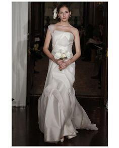CAROLINA HERRERA Organza One Shoulder Gown