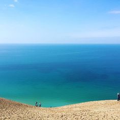 Wow! We love this view of Lake Michigan from Sleeping Bear Dunes, shared by Instagrammer @waytooblessedtobestressed! How many times have you climbed the dunes? #PureMichigan #SleepingBearDunes