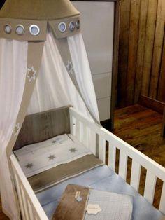 Perfect Match! BaoBao overtrek en Koeka deken! Babykamer aankleding uit eigen Atelier, u mag zelf mee ontwerpen tot we een verbluffend eind resultaat hebben. De stoffen die wij gebruiken zijn van 100% katoen of linnen.