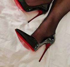 Sexy Heels, High Heels Stilettos, Pumps, Stockings Heels, Clothing Ideas, Nylons, Black Women, Christian Louboutin, Beautiful Women