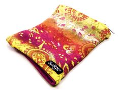 Sprigs-Banjees-Wrist-Wallet-Reversible-Paisley-Pink-Breathable-Lightweight