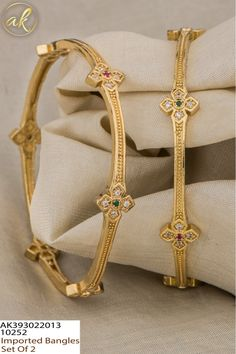 Gold Bangles Design, Gold Earrings Designs, Gold Jewelry Simple, Gold Jewellery, Gold Mangalsutra Designs, Jewelry Photography, Jewelry Collection, Women Jewelry, Gold Kangan