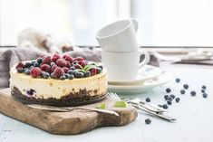 Cheesecake Fruits Rouges, Sweet Recipes, Cake Recipes, Sour Fruit, Baked Bakery, No Sugar Diet, Oreo Cake, Blueberry Cake, How To Make Bread