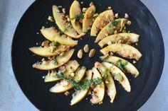 Carpaccio van nectarine met pistachenoten en muntolie ♥ Foodness - good food, top products, great health