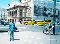 Tourist photo win.