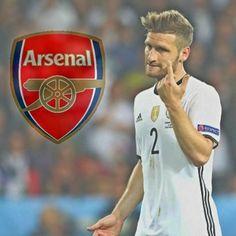 Tyska stjärnbacken Mustafi klar för Arsenal!