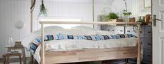 I stilren skandinavisk design blir nyheten GJÖRA ett fint blickfång i sovrummet. Den robusta konstruktionen i massiv björk är designad av Monika Mulder - och har en dubbel funktion!