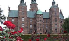 On the edge of the medieval core of Copenhagen, the renaissance King Christian IV established a magnificent garden, and in it he built Rosenborg as his pleasure palace. Copyright: Rosenborg Castle / Rosenborg Slot