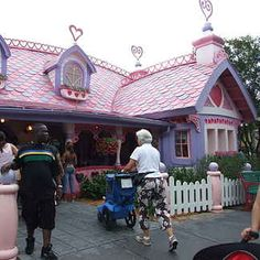29 Things You'll Never See At Disney World Again..Minnie's house in TooneTown closed in 2012