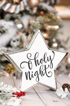 Diy Christmas Star, Christmas Star Decorations, Homemade Christmas Cards, Easy Christmas Crafts, Christmas Tablescapes, Christmas Signs, Simple Christmas, Christmas Ideas, Holiday Signs