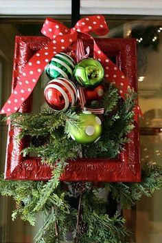 Check out these homemade DIY outdoor Christmas decorations that make it cheap and easy to get your home and yard in the Christmas spirit this season! Christmas Frames, Green Christmas, Christmas Home, All Things Christmas, Christmas Holidays, Christmas Wreaths, Plaid Christmas, Christmas Ideas, Beautiful Christmas Trees