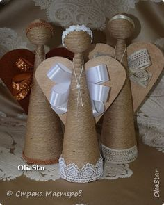 The most beautiful Christmas decorations made with string. 25 ideas to copy! Christmas Snowman, Diy Christmas Gifts, Christmas Projects, Christmas Home, Beautiful Christmas Decorations, Xmas Decorations, Angel Decor, Angel Crafts, Church Crafts