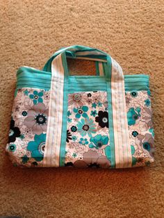 Floral and stripe hand purse with 6 pockets