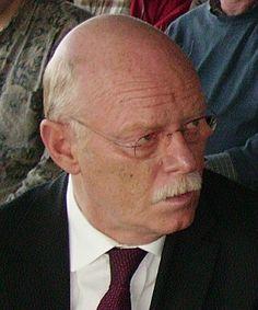 Peter Struck ist tot - Eilmeldung - News 19.12.2012     Der frühere Aussenminister ist überraschend an Herzversagen gestorben.  Germany, Deutschland,  gepint von Chiromoya Tours in Lima.
