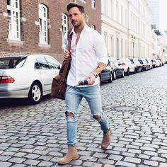 白シャツ×ダメージジーンズ×ベージュサイドゴアブーツ | メンズファッションスナップ フリーク | 着こなしNo:145077