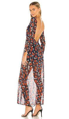 Shop for Finders Keepers Maya Maxi Dress in Navy Floral at REVOLVE. Young Fashion, Pop Fashion, World Of Fashion, Finders Keepers, Hollywood Celebrities, Revolve Clothing, Summer Wear, Ladies Dress Design, Fashion Forward