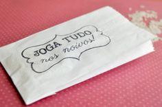 A tradicional chuva de arroz | Casar é um barato