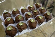 Trufa decorada com Pasta Americana - Monica Vasque Chocolates & Patisserie
