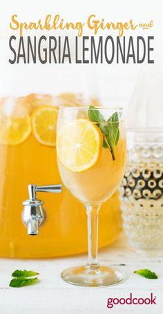 Sparkling Sangria Lemonade | white wine, ginger, gingerale, lemons, lemon, lemonade, party punch, boozy, cocktail